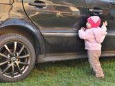 ¿Dónde está permitido que viaje un niño que no alcance los 135 centímetros de estatura? 1