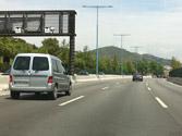 En esta vía, como norma general, ¿está permitido mantenerse en el carril de la izquierda? 1