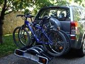En un turismo , la carga puede sobresalir por su parte posterior ... 1
