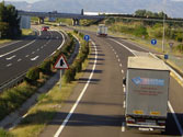 Por una autovía está prohibida la circulación de... 1