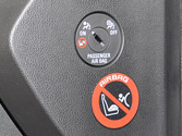 ¿Cuándo debe desactivar el airbag frontal de un asiento? 1