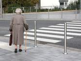 Los peatones de edad avanzada... 1