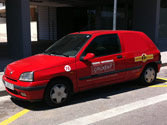 La velocidad máxima a la que puede circular un automóvil derivado de turismo en una carretera convencional es de... 1