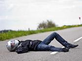 ¿Es aconsejable quitar el casco de protección al pasajero de una motocicleta que ha sufrido un accidente? 1