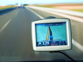 Si lleva instalado un navegador GPS debe tener en cuenta que... 1