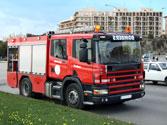 A un vehículo prioritario que circula en servicio de urgencia se le facilitará el paso... 1