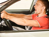 Uno de los factores que propician la accidentalidad de los jóvenes conductores es... 1