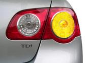 Va a girar a la derecha, y lo señaliza con el indicador luminoso correspondiente, ¿hasta cuando es necesario mantenerlo encendido? 1