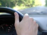 Conducir durante mucho tiempo a una velocidad elevada... 1