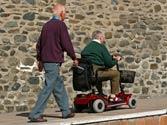 Los vehículos para personas de movilidad reducida, ¿están obligados a circular por el arcén? 1