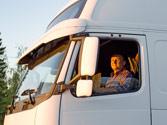 Los asientos de un camión tienen cinturones de seguridad, ¿está obligado el conductor a utilizarlo? 1