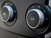 Si la temperatura en el interior del vehículo es muy alta, ¿puede influir en el tiempo de reacción del conductor? 1