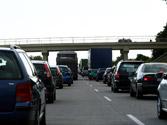 Si circula en esta vía con tráfico denso, no puede cambiar de carril para ... 1