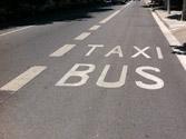 Cuando el autobús, que circula por el carril bus ,circula más rápido que el resto de los vehículos, ¿se considera adelantamiento? 1