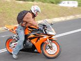 El estilo de conducción de una motocicleta, ¿puede influir en el consumo de combustible? 1