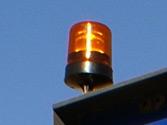Los vehículos especiales que circulan por una vía de uso público deben utilizar la luz rotativa amarillo auto cuando circulen a una velocidad... 2