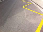 Si inmoviliza el vehículo junto al borde de esta calzada, ¿incumple alguna norma de circulación? 1