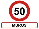 La señal que se observa en la fotografía obliga a mantener esa velocidad máxima en todo el poblado... 1