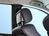 ¿Es recomendable regular y adaptar los reposacabezas del vehículo a la constitución física de los ocupantes? 1