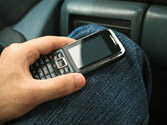 Llevar encendido el teléfono móvil en el vehículo, ¿puede resultar peligroso? 1