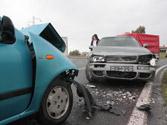 Si se encuentra un accidente de tráfico, ¿debe detenerse para auxiliar y prestar ayuda a las víctimas? 1