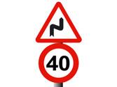 La señal prohíbe circular a más de 40 km/h. ¿Hasta dónde está prohibido? 1