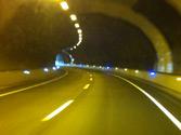 Si circula por un túnel suficientemente iluminado, ¿qué alumbrado debe utilizar? 1