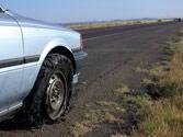Si circulando se le pincha una rueda debe... 1