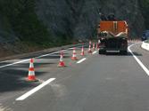 ¿Se puede atravesar la línea de conos para cambiar de carril? 1
