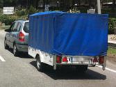 Si estaciona un turismo con un remolque ligero en una pendiente sensible, debe... 1