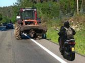 El ciclomotor, ¿podría adelantar al tractor? 1