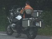 En una motocicleta de anchura inferior a 1 metro, la carga no debe sobresalir... 1