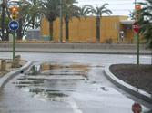Con la lluvia se forma una capa de agua que crea un mayor peligro por... 1