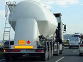 Las señales y placas de la parte trasera del camión, ¿qué indican? 1