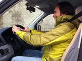 ¿Es aconsejable llevar el cinturón de seguridad con este tipo de abrigo? 1